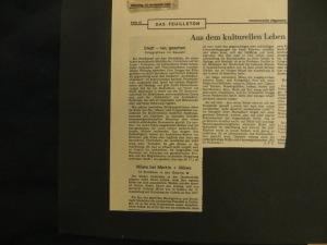 """Rezension in der Hannoverschen Allgemeinen Zeitung von A.F.T.am 12.11.1974 """"Möws bei Merkin + Möws"""" 13 Stilleben in der Galerie M"""