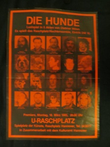 "Rosa Albert, Raschplatz Nachtensemble Hannover 1985 in ""Die Hunde"""